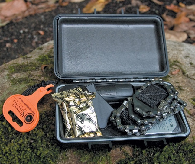 Ust Ultimate Survival De Luxe Survival Tool Kit